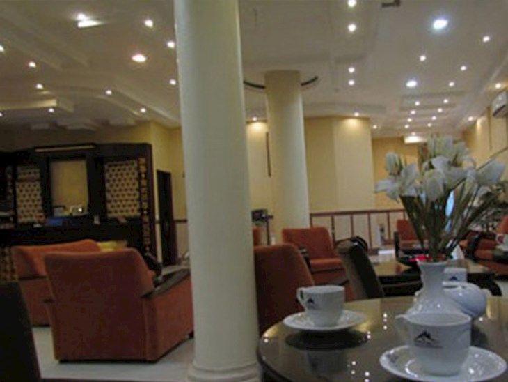 رزرو هتل حافظ مشهد