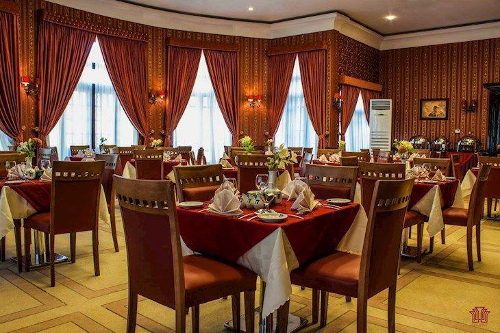 رزرو هتل آپادانا تخت جمشید شیراز
