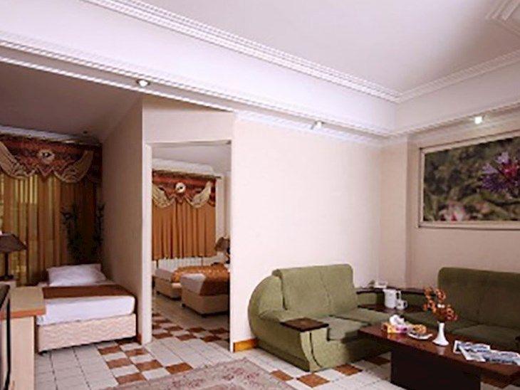 رزرو هتل پارس تهران