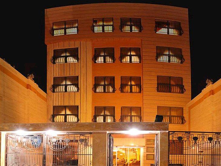 رزرو هتل ادمان مشهد