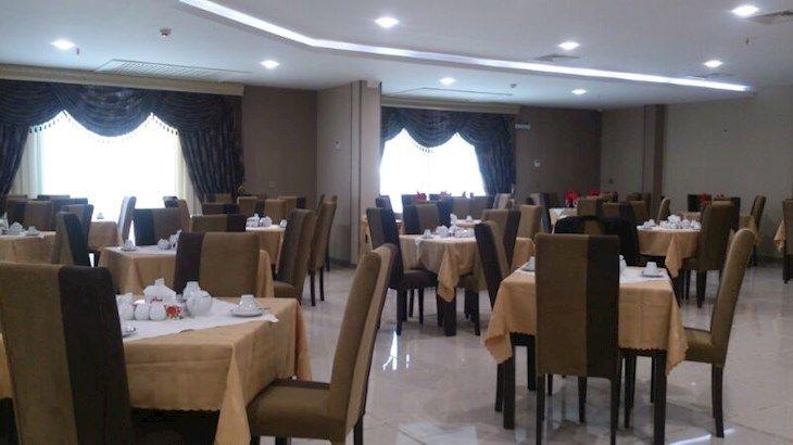 رزرو هتل شاکر مشهد