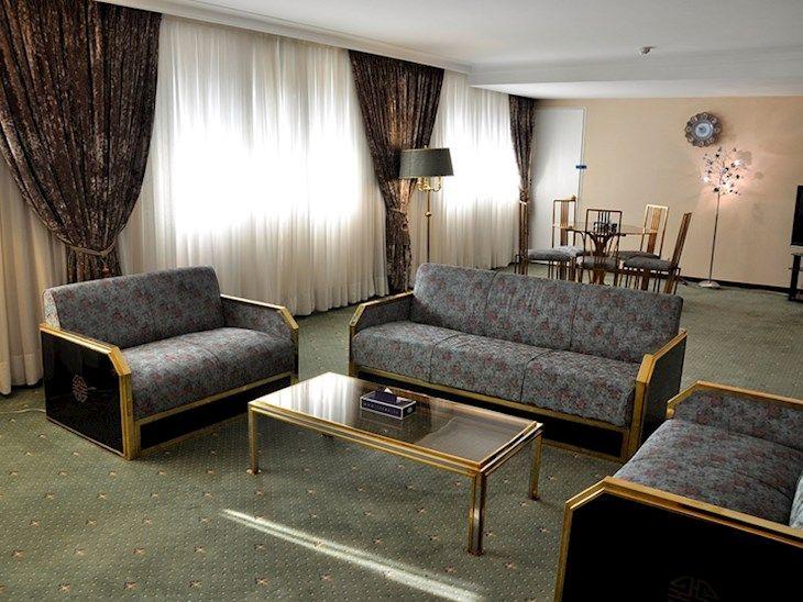 رزرو هتل بين المللي لاله تهران