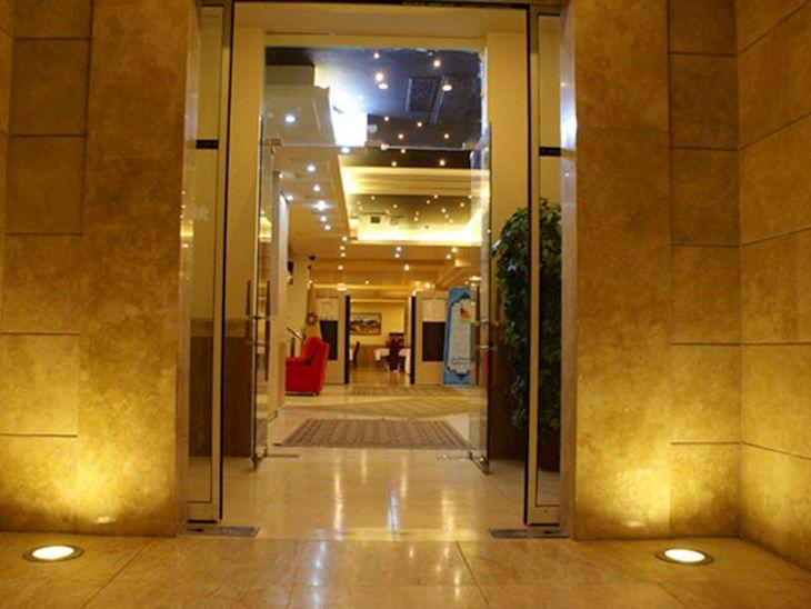 رزرو هتل دانشور مشهد