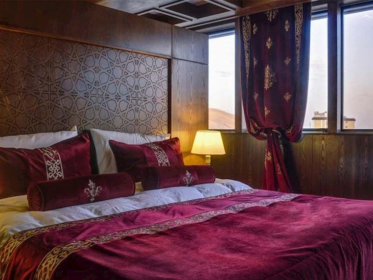 رزرو هتل زندیه شیراز