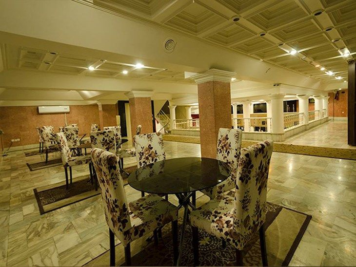 رزرو هتل آفریقا مشهد