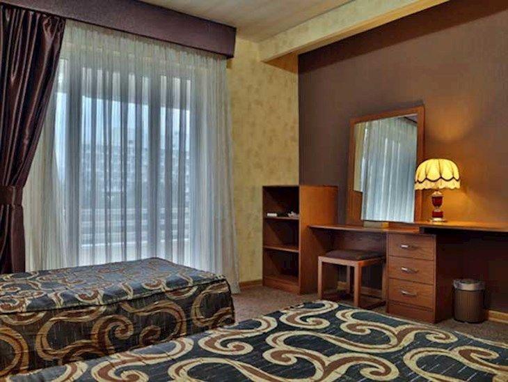 رزرو هتل هما(1) مشهد