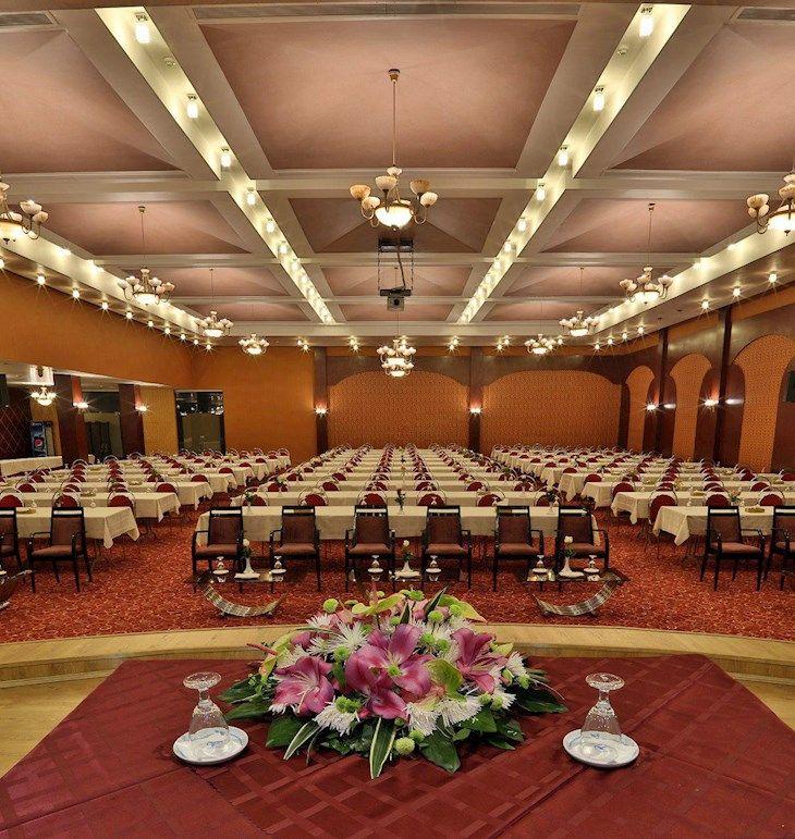 رزرو هتل هما شیراز