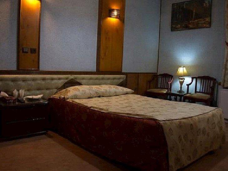 رزرو هتل بادله ساری