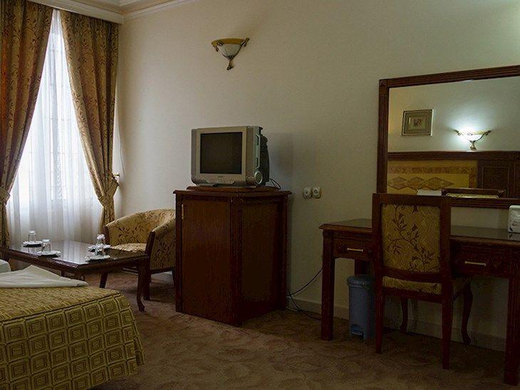 رزرو هتل پارسیان مشهد